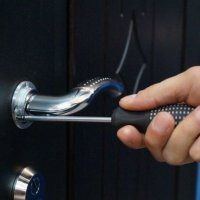 Замена и ремонт ручек, замков металлической двери